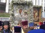 """Во время крестного хода задержали шестерых провокаторов с плакатом """"Донбасс – это русский мир""""14"""