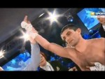 Украинский чемпион снова завершил бой досрочно.
